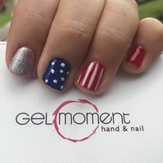 sassygelsbytiffanie.gelmoment.com  4th of July nails