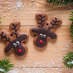 Top tips for making Christmas hampers on a budget Make gingerbread men, turn them upside down and you have a reindeer face to decorate! Christmas Hamper, Christmas Goodies, Christmas Desserts, Holiday Treats, Christmas Treats, Christmas Biscuits, Christmas Sugar Cookies, Reindeer Biscuits, Gingerbread Reindeer