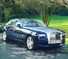 66 отметок «Нравится», 2 комментариев — Rolls-Royce Sunningdale (@rollsroycesunningdale) в Instagram: «Our #rollsroyceghost demonstration car has found a new home. First time #rollsroyce owner.»