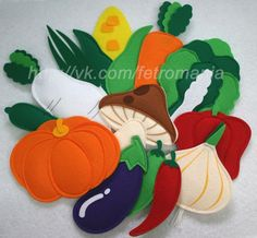 Flat Vegetables for Quiet Book Diy Quiet Books, Baby Quiet Book, Felt Quiet Books, Felt Fruit, Felt Patterns, Busy Book, Felt Fabric, Sewing Toys, Baby Kind
