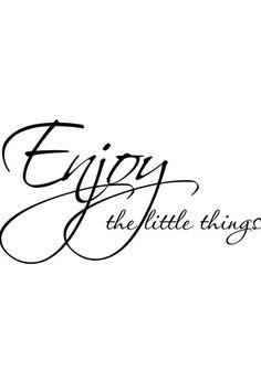 Vente STICKERS / 24345 / Lettrage / Citations en anglais / Sticker Enjoy the little things Noir Positive Attitude, Positive Vibes, Positive Mind, Amazing Quotes, Great Quotes, Quotations, Qoutes, Enjoy The Little Things, Quote Citation