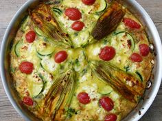 Summer Garden Frittata Recipe Recipe with 11 ingredients Recommended by 2 users. Real Food Recipes, Great Recipes, Cooking Recipes, Favorite Recipes, Vegetable Frittata, Healthy Snacks, Healthy Recipes, Vegetarian Main Dishes, Frittata Recipes