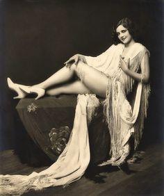 Ziegfeld Follies 13 Photos of girls from the Ziegfeld Follies