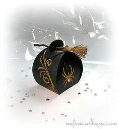 crafticious: No Glue Halloween Treat Box