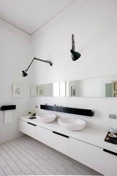 Schöne Waschbecken aber die Lampen passen nicht