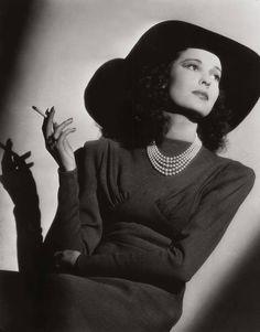 Valerie Hobson, atriz britânica (via Cinema Classico no Facebook)