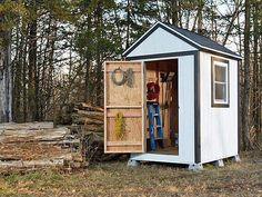 Small Storage Sheds • Ideas & Projects! With lots of Tutorials! Including this simple shed with instructions from popular mechanics.
