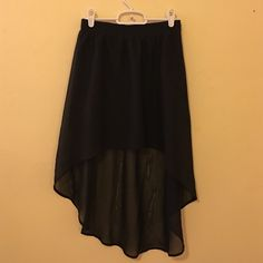 High-Low Chiffon Skirt Beautiful and flattering high low style only worn a handful of times indoors. Can be worn at the hips or waist. Looks amazing when styled with black tops Forever 21 Skirts Asymmetrical