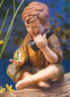 Charming Solar Lighted Little Boy With His Frog Pal Garden Statue Yard Art  New