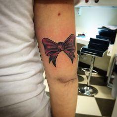 #me #jj #jessicazegretti #jessupersonic #bow #tattoo #traditionaltattoo #arm #femaletattooartist #flash #tattooflash