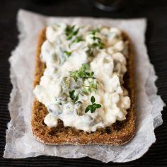 Mausteinen raejuustolevite | Maku Savory Pastry, Bread Toast, Good Food, Yummy Food, Cookery Books, My Cookbook, Savory Snacks, Bite Size, Food Inspiration