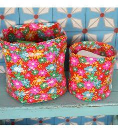 Deco Petit Pan...l'art de vivre en multicolore ! mélange des carreaux en ciment Hélium avec les corbeilles en tissu enduit Grenadine