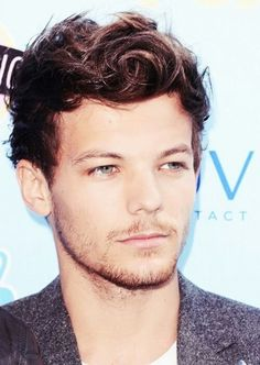 Louis Tomlinson Photos - Singer Louis Tomlinson of One Direction attends the Teen Choice Awards 2013 at Gibson Amphitheatre on August 2013 in Universal City, California. - Arrivals at the Teen Choice Awards — Part 2 Teen Choice Awards 2013, Teen Awards, Bon Point, Bae, Georgia, Members Of One Direction, Louis Tomilson, Louis Williams, Male Model
