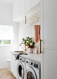 laundry room ideas washer and dryer - Bracelet Blu - Murales Pared Exterior Laundry Design, Room Diy, Room Storage Diy, Living Room Decor Apartment, Living Room Designs, Apartment Living Room, Laundry In Bathroom, Laundry Bathroom Combo, Room Design