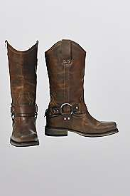 My dream boot! These look great, the perfect mix between western-rodeo and cool! Havn't gotten them yet but they are on my wish list!