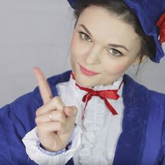 Transform yourself into the world's most famous nanny with our easy Mary Poppins make-up tutorial. Perfect for anyone looking for World Book Day costume ideas for teachers! Famous Book Characters, Famous Books, World Book Day Costumes, Book Character Costumes, Mary Poppins Halloween Costume, Halloween Costumes, School Events, Her Hair, Make Up
