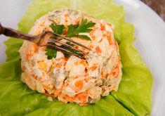 Salata de cruditati cu piept de pui - Retete practice Thing 1, Garam Masala, Salmon Burgers, Potato Salad, Bacon, Potatoes, Yummy Food, Ethnic Recipes, Knits