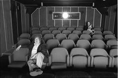 Life Itself and Why Roger Ebert Was a Beloved Film Critic Netflix List, Good Movies On Netflix, Beloved Film, Chicago Sun Times, Netflix Streaming, Room Screen, Film School, Fade Out, White City