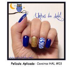 Película Caveiras HAL#03 #unhas #unhasdalala #peliculadeunha #halloween #caveirinhas #skull #unhascaveira #skullnails #azul #blue #glitter #amoglitter #glitterdourado #risqueazulhortensia #brilho#manicure #lindasunhas #unhasdecoradas #nails #nail #lovenails #nailslove #style #estilo #modaunhas #artnail www.unhasdalala.com.br