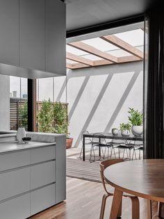 Disposition interessante cuisine-salon-sam + puit de lum au plafond