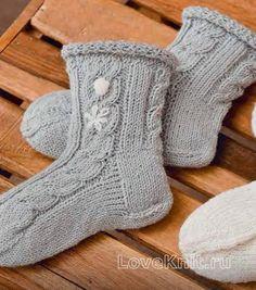 высокие носки с узором из кос фото к описанию Knitting Socks, Knit Socks, Projects To Try, Patterns, Cotton, Fashion, Wrist Warmers, Knit Patterns, Leather