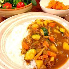 野菜がたくさん食べたくて❗❗ ズッキーニとしめじも入れました - 7件のもぐもぐ - 野菜カレー by joyfulcook