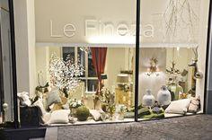 Dekorationsideen bei Le Fineza Merano #lefineza #meran #merano #südtirol #chaletstyle #flowers #design #home #interior #gold #plaid #antlers #geweih #einrichtung #arredamento #southtyrol #altoadige #italy #italia #ampliamento #bestoftheday #pictureoftheday #teppich #cowhide #hirsch #luxury #manufaktur #manufacturing #swarovski