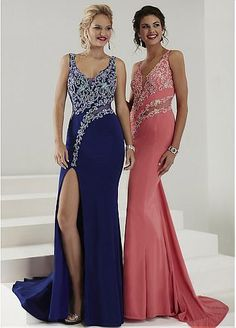 Sexy Tulle & Chiffon Scoop Neckline Sheath Evening Dresses With Beads & Rhinestones