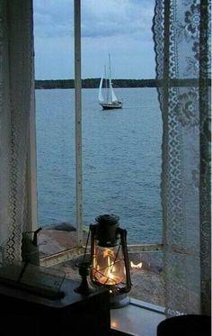 en bordure 田 fenetre windown fenster horizon seascape paysage marin lantern mood Ventana Windows, Cottages By The Sea, Window View, Window Lights, Rear Window, Through The Window, Am Meer, Interior Exterior, Interior Doors