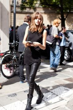 Freja Beha Erichsen - I need to up my badass levels so I can pull this outfit off Estilo Fashion, Ideias Fashion, Fashion Blogs, Fashion Stores, Fashion Weeks, Street Style Vintage, Combat Boot Outfits, Combat Boots, Calf Boots