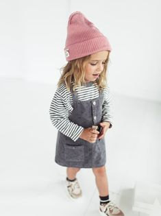 Baby clothes should be selected according to what? How to wash baby clothes? What should be considered when choosing baby clothes in shopping? Baby clothes should be selected according to … Little Girl Outfits, Kids Outfits Girls, Little Girl Fashion, Toddler Fashion, Kids Girls, Girls Fashion Kids, Baby Kids, Outfits Niños, Toddler Outfits