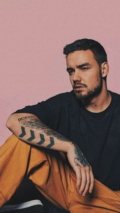 Liam Payne Imagines - College Boy - Page 2 - Wattpad One Direction Memes, One Direction Wallpaper, One Direction Pictures, Niall Horan, Zayn Malik, Liam James, Liam Payne, Louis Tomlinson, Wolverhampton