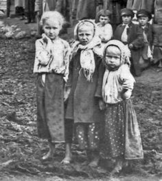 Slovak children of coal miners 1900, by Lewis Hine