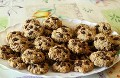 FIT cookies s hrozienkami a čokoládou - KAMzaKRASOU.sk Ale, Muffin, Healthy Recipes, Healthy Food, Cookies, Baking, Breakfast, Desserts, Food Ideas