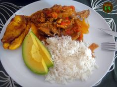 Chivo al coco is a specialty belonging to the coastal regions. It contains shredded goat meat cooked in coconut milk and finally served with mofongo (fried mashed green bananas).