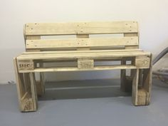 Outdoor Furniture, Outdoor Decor, Bench, Home Decor, Diy Pallet Furniture, Furniture From Pallets, Homemade Home Decor, Benches, Desk