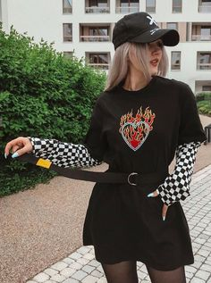 Flaming Heart Shirt with Checkerboard Sleeves – Ropa Komplette Outfits, Teen Fashion Outfits, Retro Outfits, Cute Casual Outfits, Rock Outfits, Hipster Outfits, Casual Clothes, Grunge Outfits, Modest Outfits