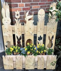 Here we have a thought-provoking designing of the planter for you. The delicate designing of this pallet craft is making it best to locate in the outdoor of your house. The great crafting pattern of this pallet wood project is making it best to grow Used Pallets, Wooden Pallets, Wooden Diy, Pallet Wood, Wood Wood, Wood Art, Pallet Seating, Pallet Fence, Outdoor Pallet
