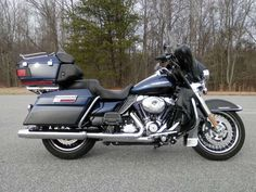 2012 H-D® Electra Glide® Ultra Limited.Two-tone Big Blue Pearl / Vivid Black. #hdofgreensboro #electraglide #Ultra #Limited #Big #Blue #Pearl #Greensboro #Harley #harleydavidson #motorcycles #Bikes