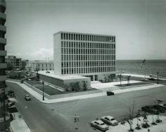 United States Embassy in Havana / Harrison & Abramovitz / The United States' diplomatic presence in Cuba is housed in a severe, early-1950s office building perched on the shoreline over Havana Bay. Walled