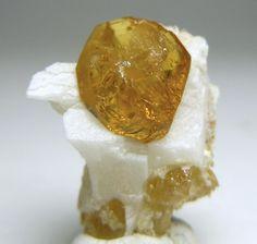 Garnet var. Grossular / Gillis Range, Mineral Co., Nevada
