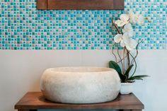 Cuarto de baño, mosaico Regine ISABEL y Starlike Travertino