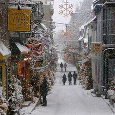 Old Quebec Street - Montreal, Quebec, Canada. Canada/NewEngland cruises sail from New York to Quebec for 10 nights usually, but NOT usually during the winter. J'aime Quebec et les Quebecois. Noel Christmas, All Things Christmas, Winter Christmas, Christmas Shopping, Winter Snow, Christmas Scenes, Canada Christmas, Winter Holidays, Happy Holidays