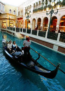 ok, who doesn't have this on their bucket list? Venice and a gondola, maybe my gondolier should have to sing...