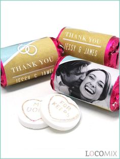 LoveSweets are very tasteful wedding favour sweets! De LoveSweets are packed in a pink metallic foil over which a personalised wrapper will be put. Choose a design and add your names, wedding date and a small thank you note for your weddin guests!