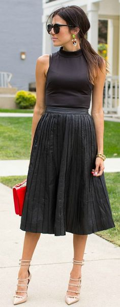 black outfit! so cute! fine more like this here - http://studentrate.com/fashion/fashion.aspx