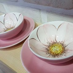 Ceramics by Galit Weiss click. Painted Cups, Painted Plates, Hand Painted Ceramics, Ceramic Shop, Ceramic Tableware, Ceramic Bowls, China Painting, Ceramic Painting, Ceramic Art