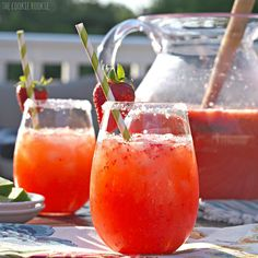 Strawberry Margarita Punch is delicious and easy. It's the perfect cocktail to make for a crowd! This can easily be made kid friendly by leaving out the tequila. We make this fun cocktail every Summer and I cannot get enough! Party Drinks, Cocktail Drinks, Fun Drinks, Yummy Drinks, Alcoholic Drinks, Camping Drinks, Margarita Punch, Strawberry Margarita, Margarita Recipes