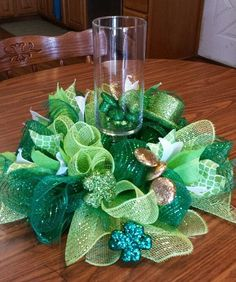 St Patricks Day centerpiece 12 inch round by NancysNowandForever on Etsy - http://www.diyhomeproject.net/st-patricks-day-centerpiece-12-inch-round-by-nancysnowandforever-on-etsy