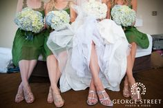 Creative Bridal Party Poses   George Street Photo & Video